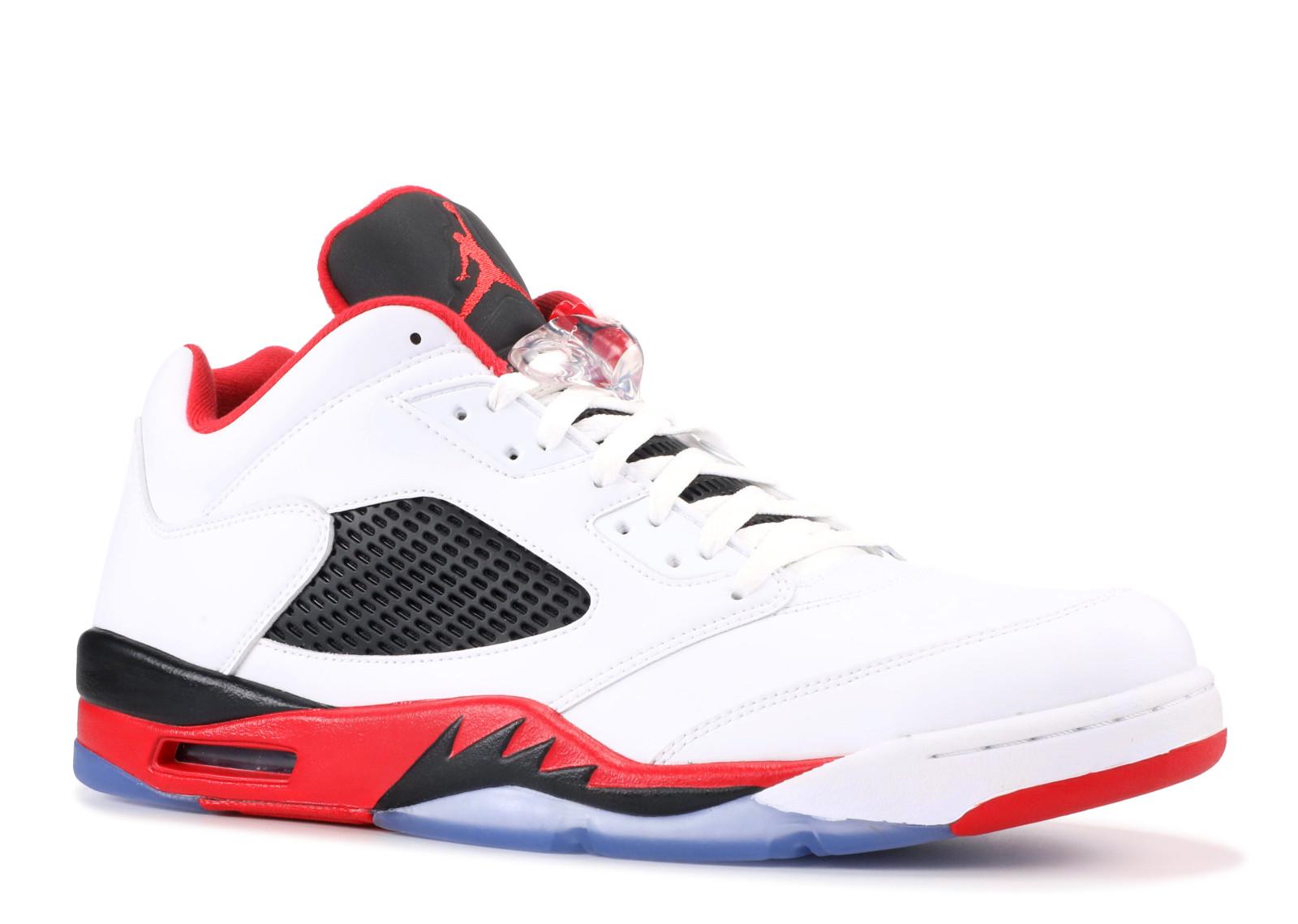 842d677e23a Kick Avenue - Authentic Sneakers